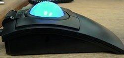 CST2545W(GL) (L-Trac Glow) Souris laser ergonomique ambidextre rétroéclairée avec câble de branchement USB haute performance Noir