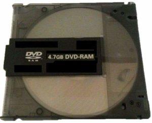 Lot de 100 disques DVD-RAM Vierges (4,7 Go 120 Min 3 x) avec Cartouche Amovible Noire