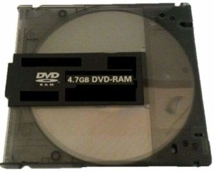 Lot de 50 DVD-RAM Vierges 4,7 Go 120 Min 3 x disques avec Cartouche Noire Amovible